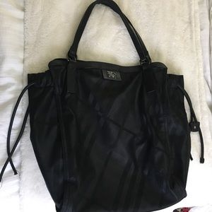 Burberry Buckleigh Tote in Black
